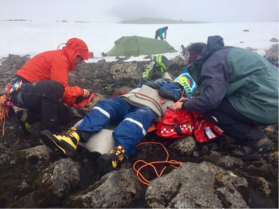 Expedition Medic   What is an Expedition Medic   World Extreme Medicine